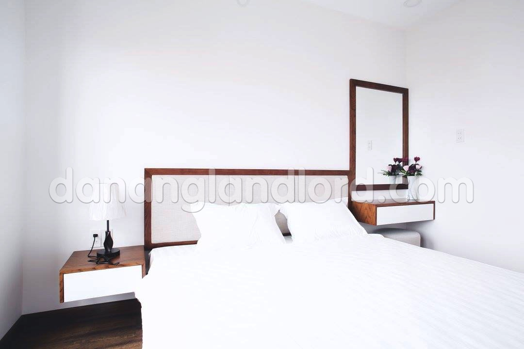studio apartment near my khe beach da nang landlord. Black Bedroom Furniture Sets. Home Design Ideas
