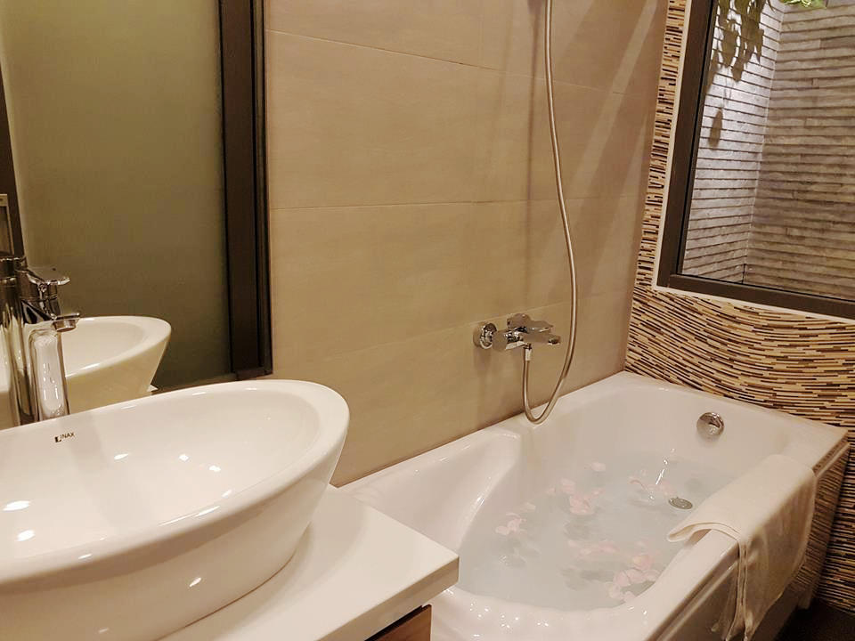 Luxury 2 Bedrooms Apartment In The Center Of The City Zn2e Da Nang Landlord