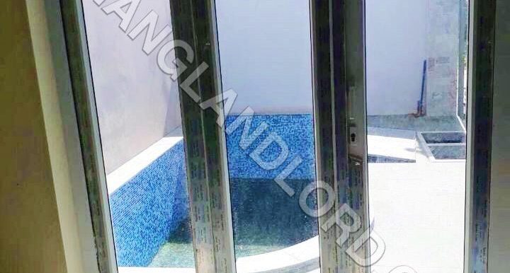 villa-for-rent-swimming-pool-5