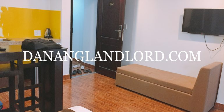 studio-apartment-for-rent-an-thuong-area-big-balcony-2