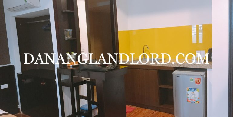 studio-apartment-for-rent-an-thuong-area-big-balcony-4