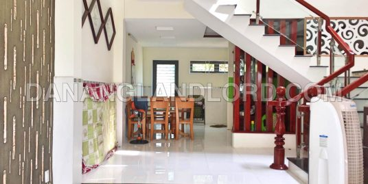 The spacious house with 2 bedrooms near Ho Xuan Huong Street – 1041
