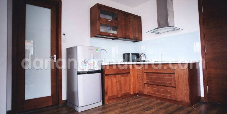 apartment-for-rent-da-nang-studio-beautiful-cheap-my-khe-beach-2