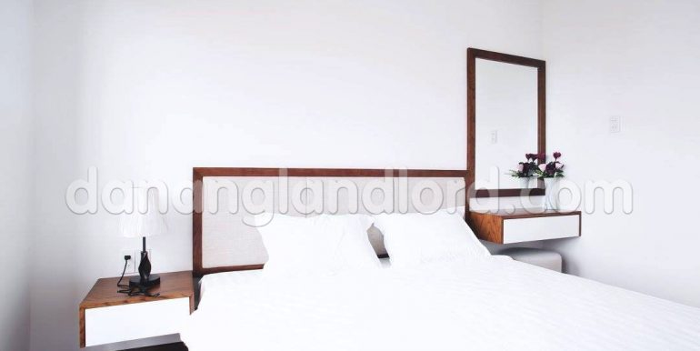 apartment-for-rent-da-nang-studio-beautiful-cheap-my-khe-beach-3