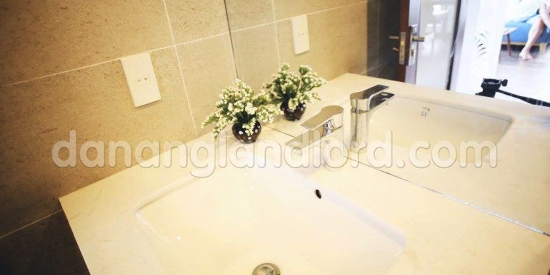 apartment-for-rent-da-nang-studio-beautiful-cheap-my-khe-beach-4