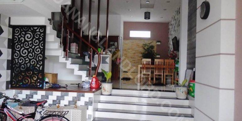 house-for-rent-ho-xuan-huong-dnll-1