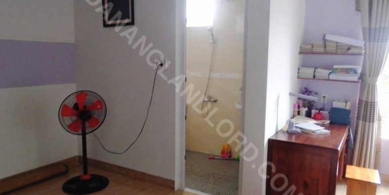 house-for-rent-ho-xuan-huong-dnll-11