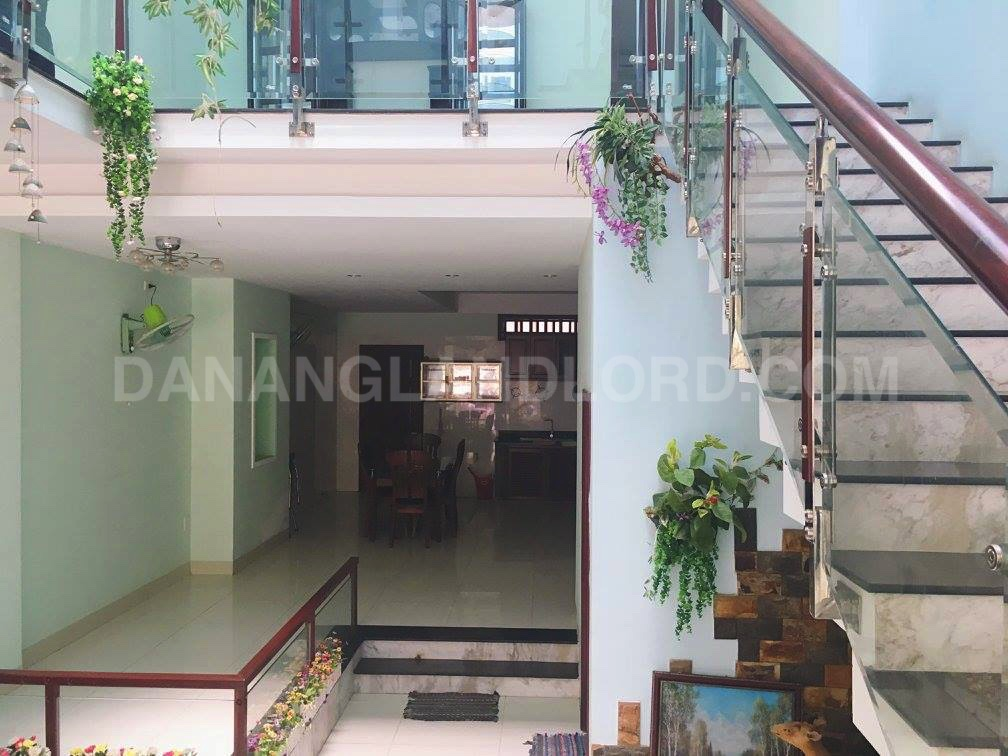 The House 4 Bedrooms 100sqm Very Close Pham Van Dong Beach.