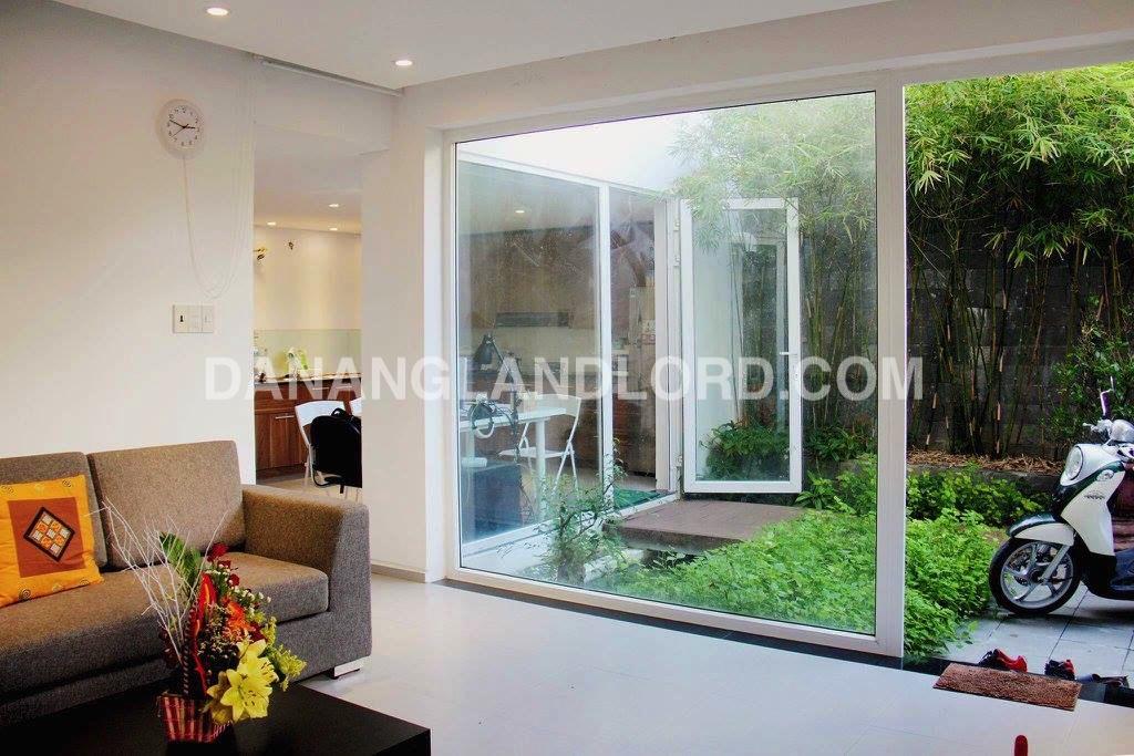 Very nice 2 bedrooms villa in Ngu Hanh Son Center