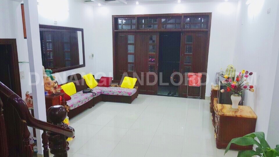 House for rent with 2 bedrooms near Pham Van Dong Beach