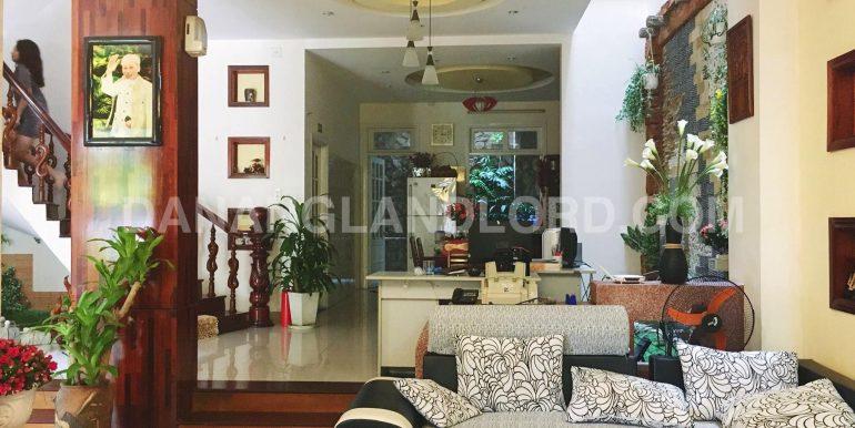 villa-for-rent-nguyen-van-thoai-1