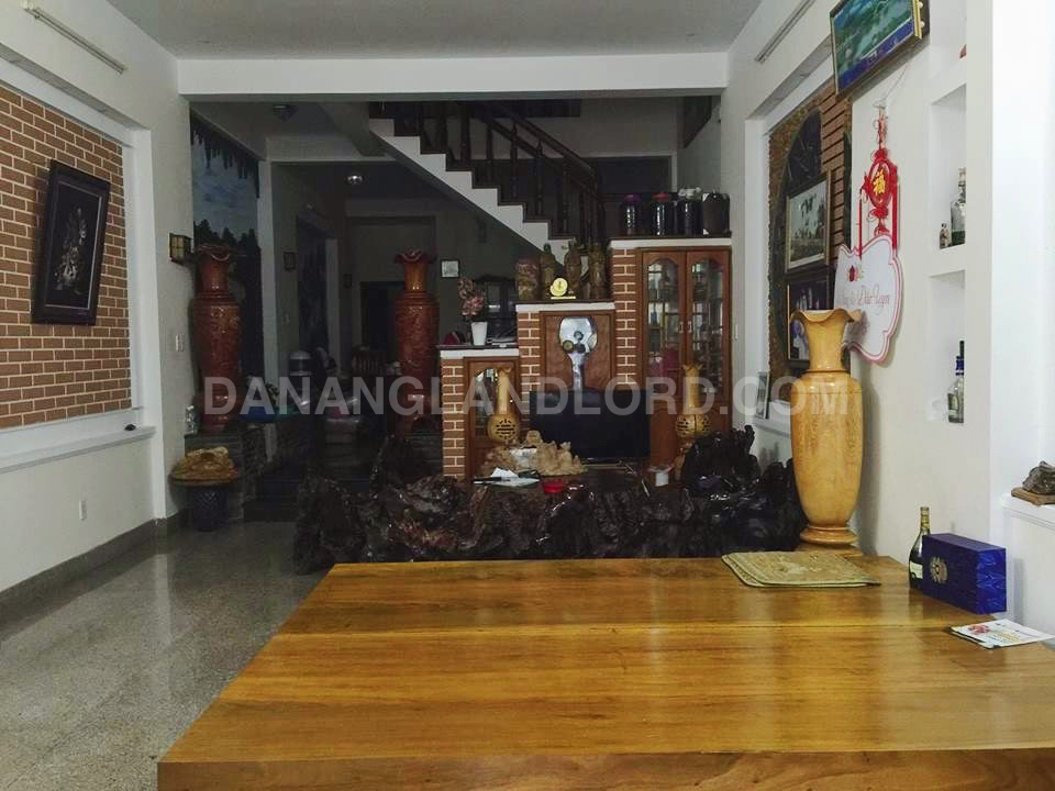 The beautiful house with full furnitures close to Pham Van Dong beach