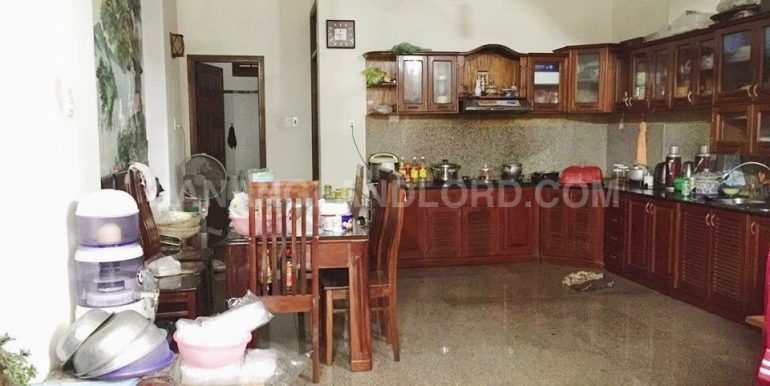 house-for-rent-pham-van-dong-3 (1)