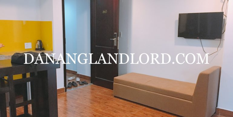 studio-apartment-for-rent-an-thuong-area-big-balcony-3