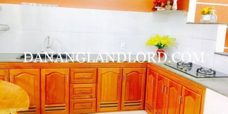 2-bdr-house-for-rent-da-nang-garden-11