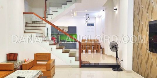 3 bedroom house in An Thuong, My Khe beach – 1018