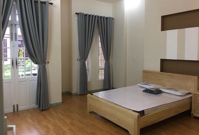 3 bedrooms house near Ho Xuan Huong street – B138