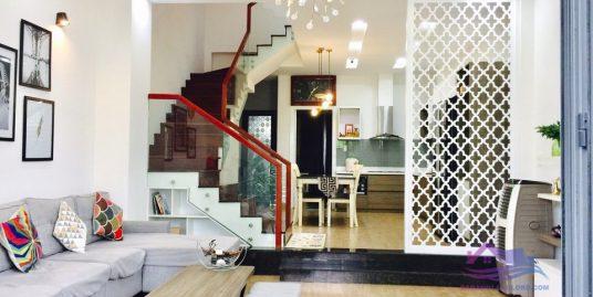 The luxury 3 bedroom house near Vuong Thua Vu st- B224