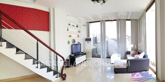 Spacious 2 bedroom house close to A La Carte Hotel – 2414