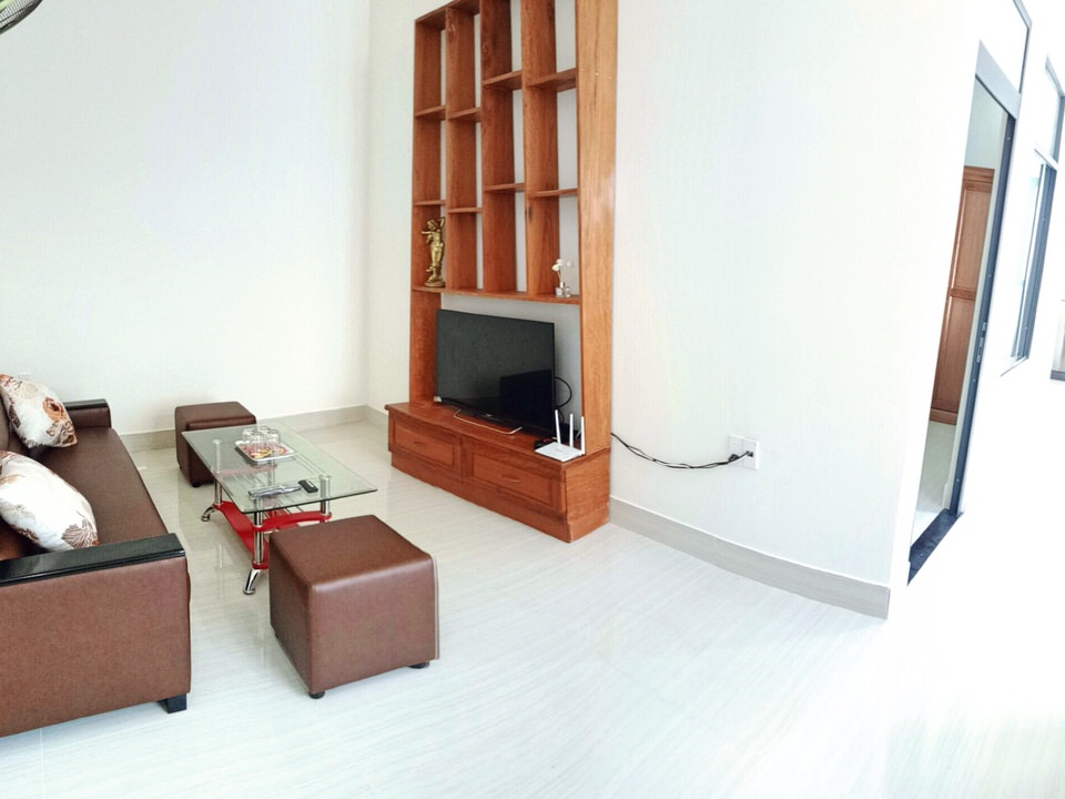 Natural light 1bdr. apartment with balcony, 55 sqm, quiet area, close to Dragon Bridge – A233