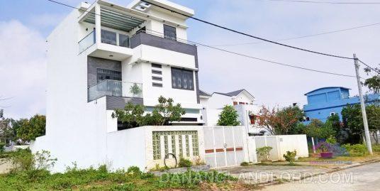 Three-storey villa near Singapore International School – B122