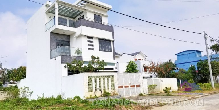 house-for-rent-da-nang-singapore-B122-T-1