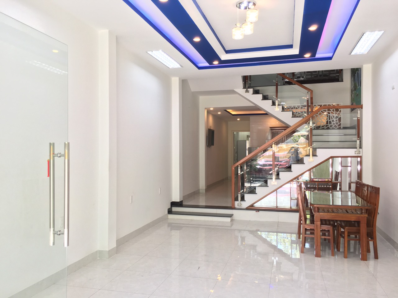 6 bedroom house, Ton Quang Phiet street – B266