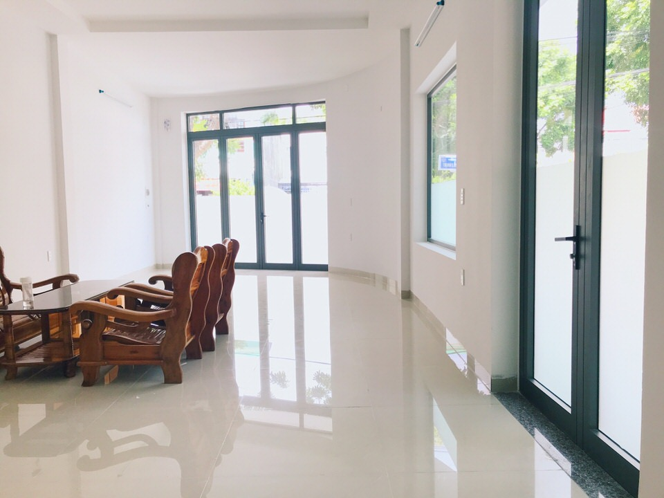 2 fronts house, 6 bedrooms, Ngu Hanh Son district – B402