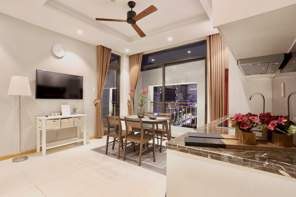 Luxury 2BR apartment, center of Danang – A351
