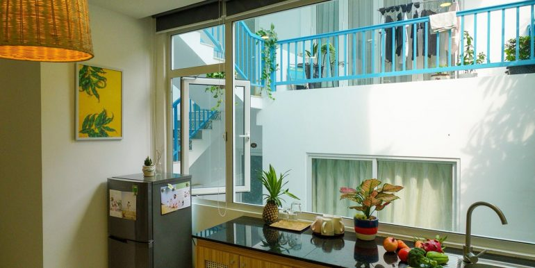 lovely-apartment-for-rent-son-tra-da-nang-A802-4