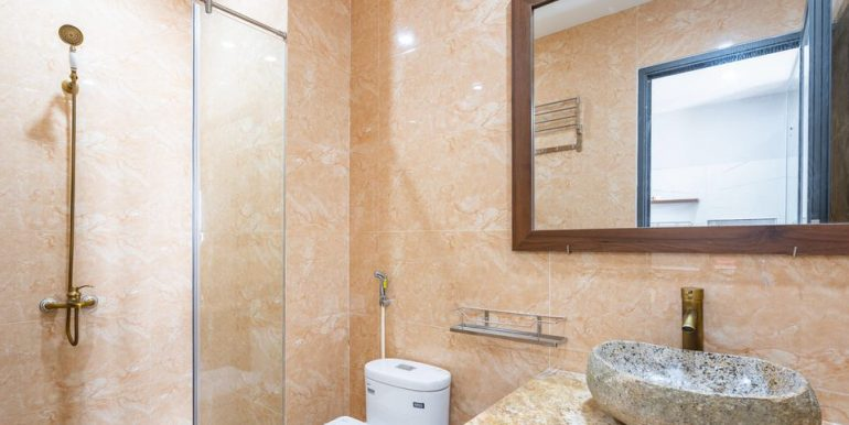 nice-apartment-for-rent-son-tra-A804-7