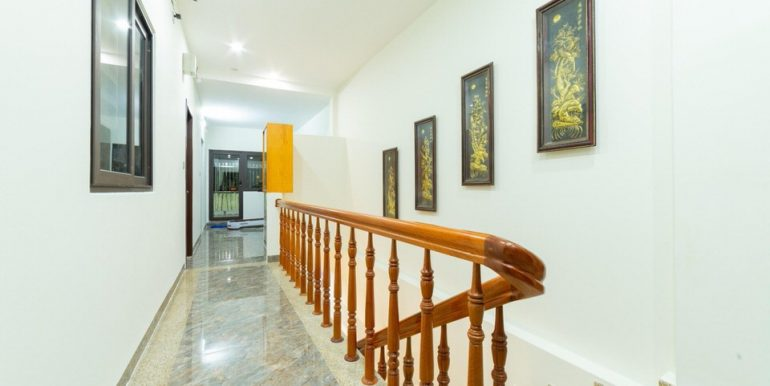 modern-apartment-for-rent-my-khe-A808-16