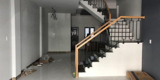 Separate 6-bedroom house near Vincom – B534