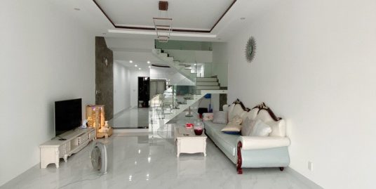 6 bedrooms house on Doan Khue street – B703