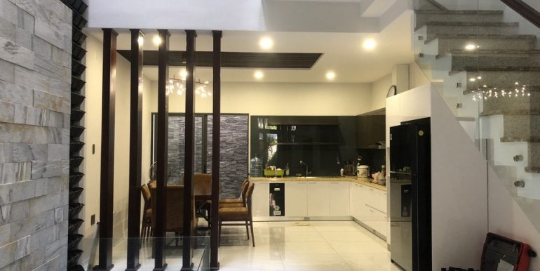 house-for-rent-nam-viet-a-B707-1