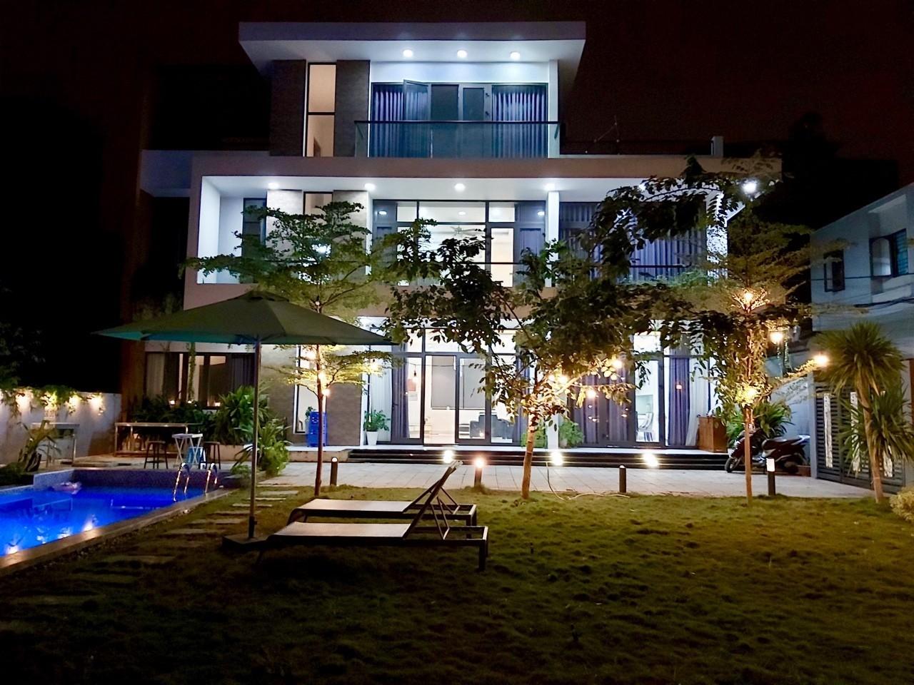 Nice villa 5BR with swimming pool near My Khe beach – B156