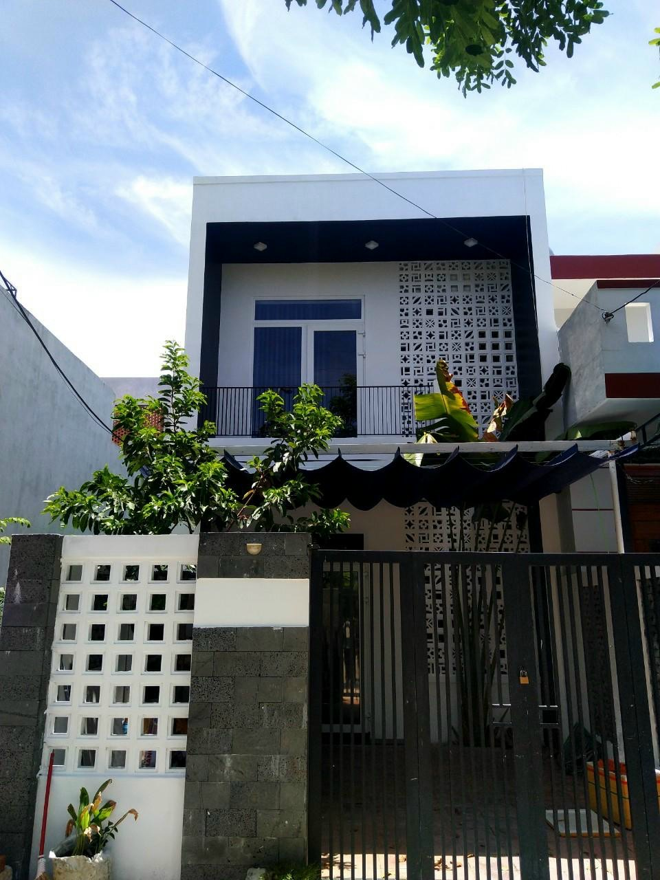 Beautiful 2-storey house, 3 bedrooms, Nam Viet A area – B720