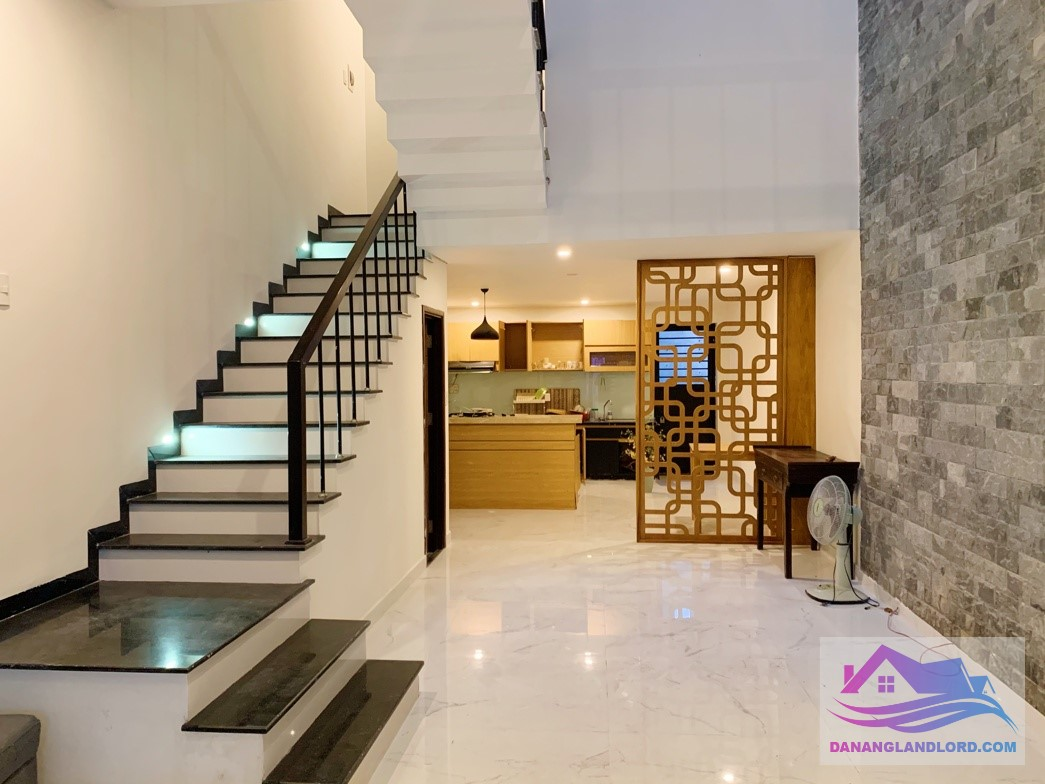 3 bedroom house with small garden near Muong Thanh – B721