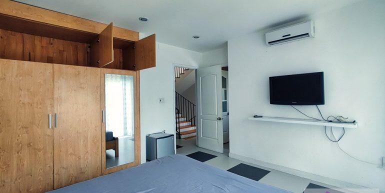 house-for-rent-my-khe-da-nang-B752-2-2-2 (10)