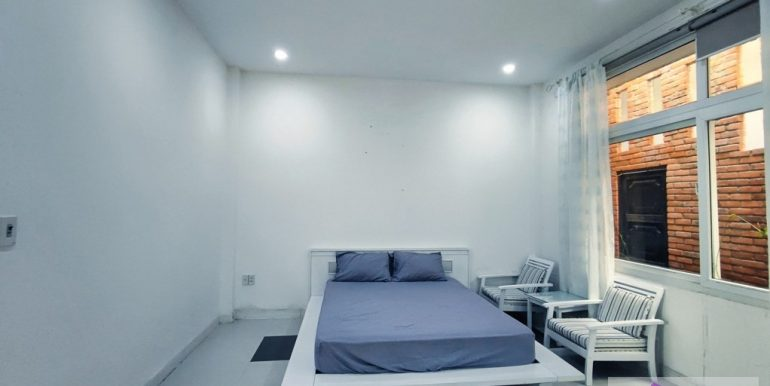 house-for-rent-my-khe-da-nang-B752-2-2-2 (7)